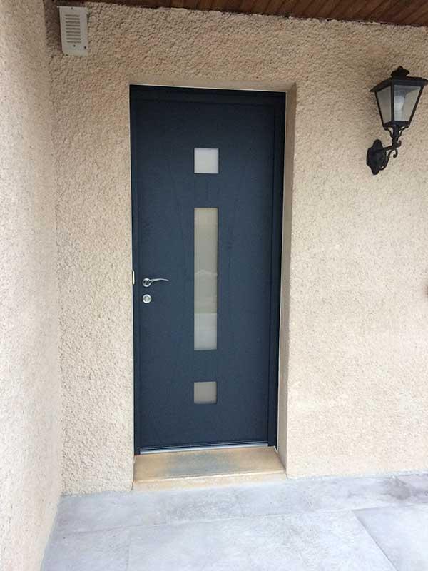 Pose porte d'entrée aluminium Valence